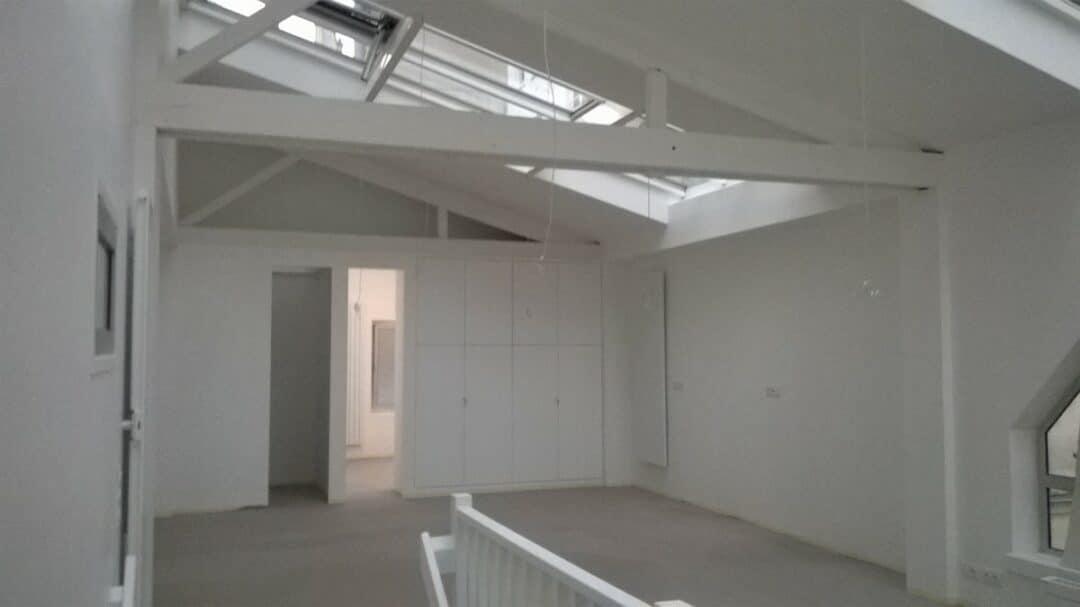 Réhabilitation batiment de bureaux en cabinet de kiné et atelier/logement Paris 11